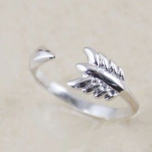 Stella & Dot's Gilded Arrow Ring - Silver